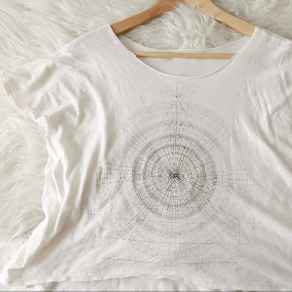 4229812269c White Cropped Sketch Tee //Project Social T //UO.  M_5cae4e082f8276fc288a815f. Other Tops ...